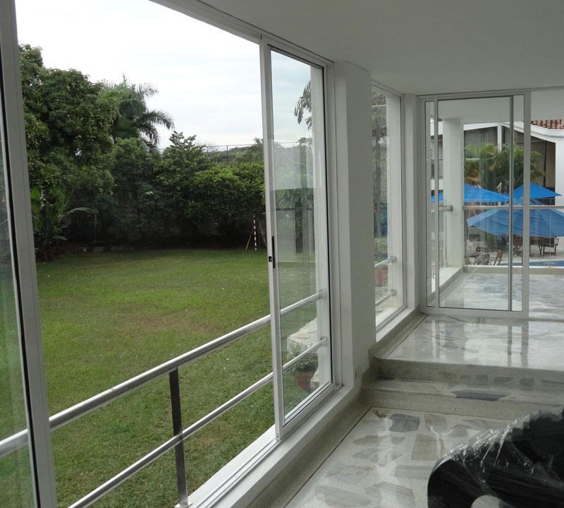 Puertas correderas para jardin reja para puerta corrediza - Puertas de aluminio para jardin ...
